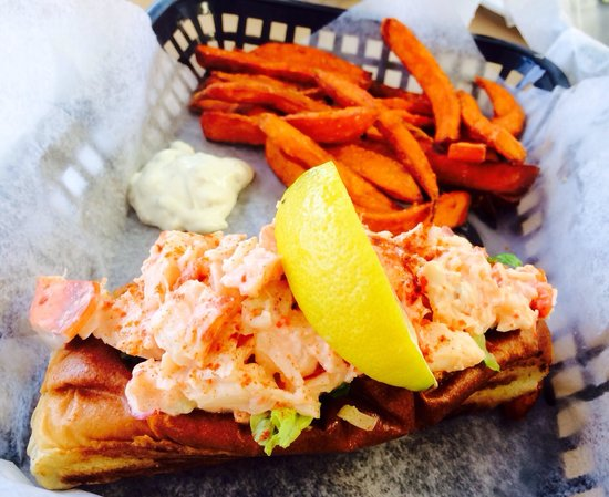 Jazzy's Mainely Lobster & Seafood Company: Need i caption this at all!