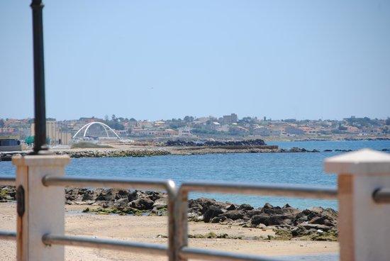 Sporting Club Village : ponte vicino Villaggio