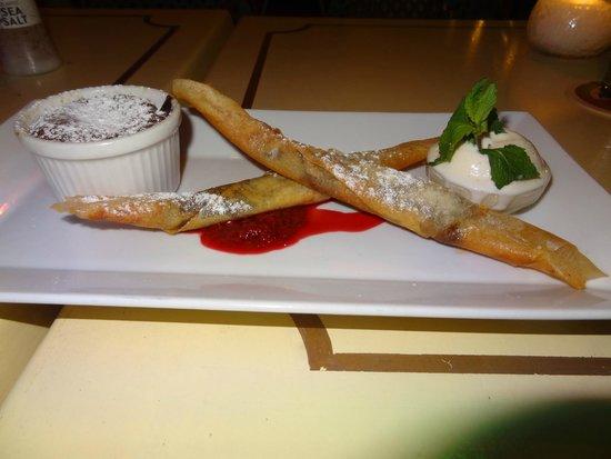 Mundo Bizarro : Harumaki de banana com chocolate + bolo de chocolate quente! Maravilhoso!
