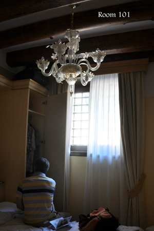 Hotel Ca' Vendramin di Santa Fosca : just a section of our room