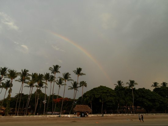 Hotel Tamarindo Diria: Rainbow on the beach