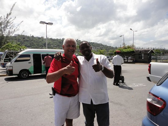 Turner Taxis and Tours Jamaica: Guest hanging out with Turner