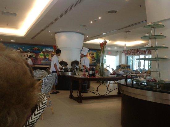 Hilton Cartagena : bufet desayunos