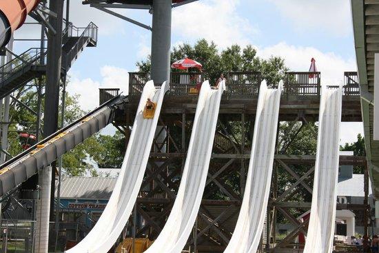 Blue Bayou Water Park : racing