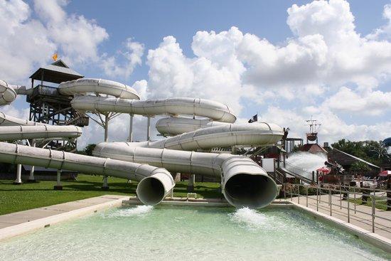 Blue Bayou Water Park : Fun slide