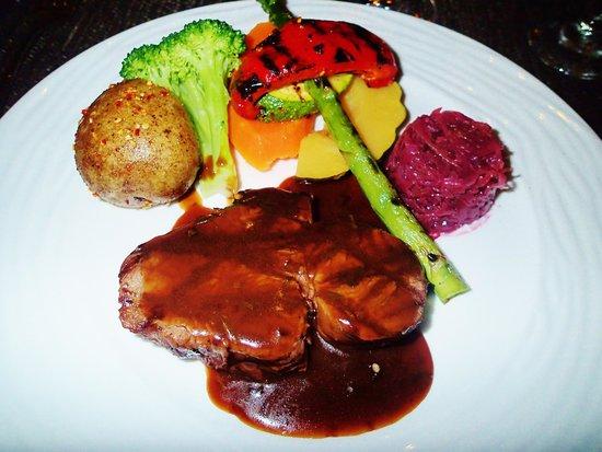 RARE Restaurant & Bar: the filet steak