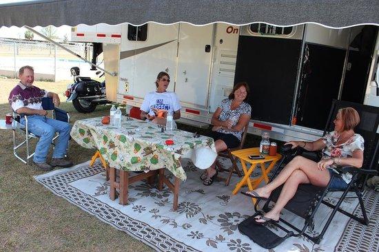 Goethe Trailhead Ranch: Meet new friends