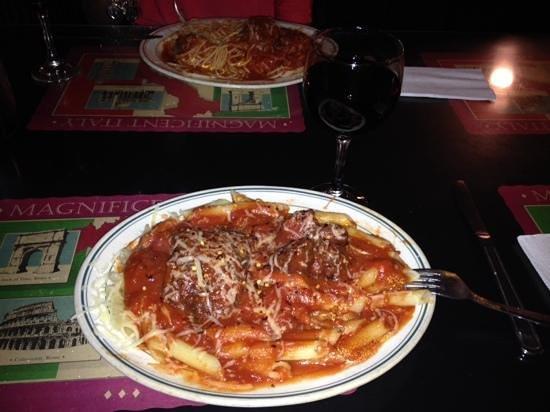 Don Vito's Italian Restaurant: penne party!