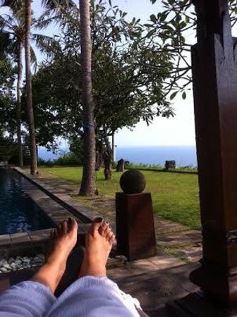 Imaj Private Villas Lombok: RElaxing by the pool