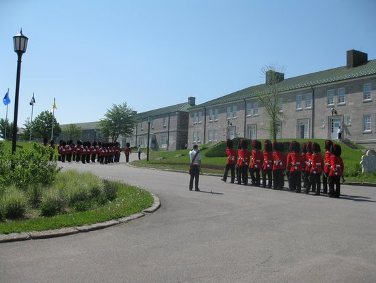 Hotel Acadia : Changing of the guard at the Citadfelle