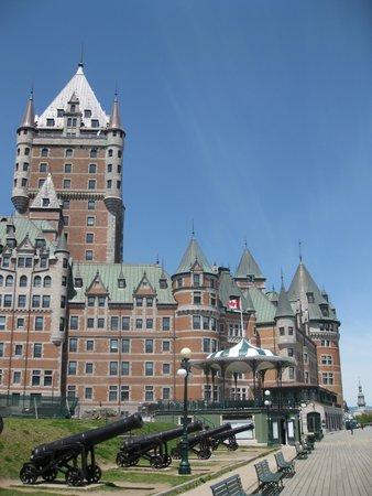 Hotel Acadia : The city