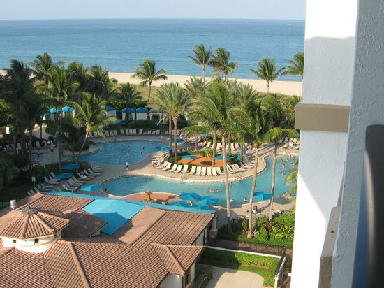 Marriott's Ocean Pointe: Beautiful beach and pool areas