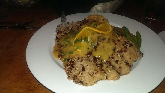 Silverheels Bar and Grill: Pecan trout