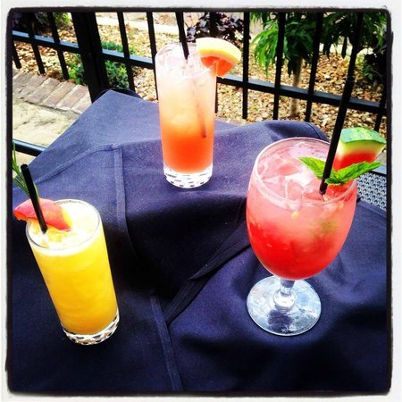 Rain Restaurant & Bar: Drink Specials.