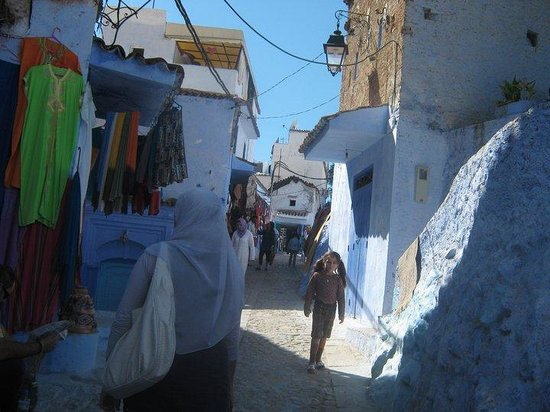 Altstadt von Chefchaouen: through the streets