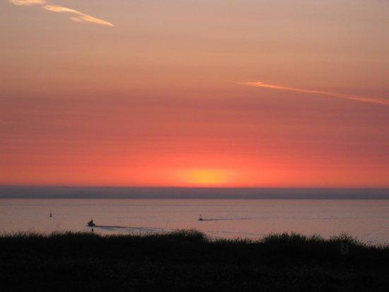 Sunset at Pomo Bluffs Park