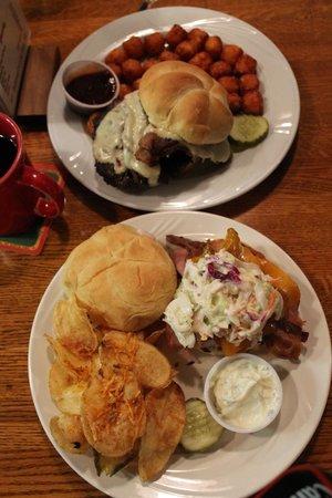 Grumpy Troll Pub & Brewery: Huge portions