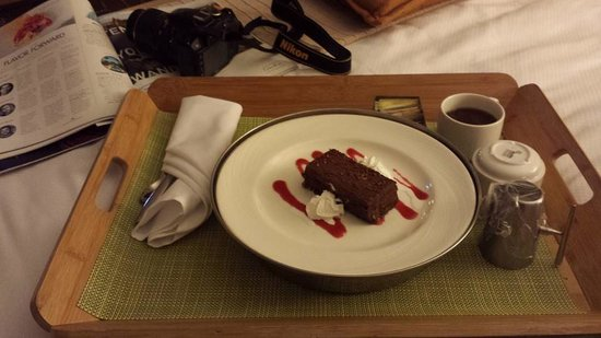 Kimpton EPIC Hotel: Chocolate Mousse Cake