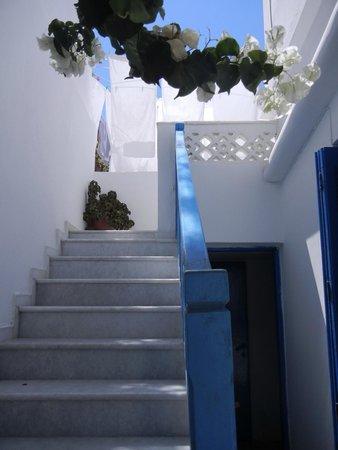 Despina's Rooms : ingresso e terrazzo interno