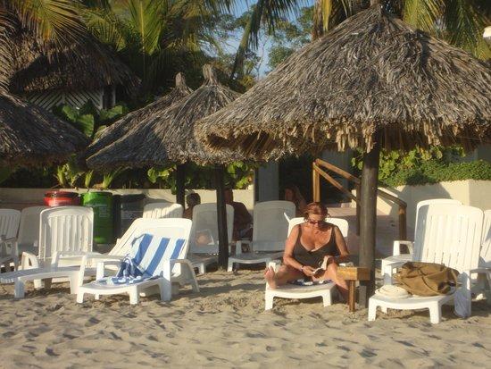 Hotel Fontan Ixtapa: beach