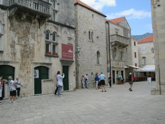 Korcula Old City: At the town center