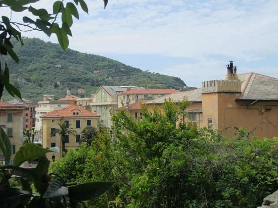 Villa Margherita by the Sea : first apartment, view from bedroom window