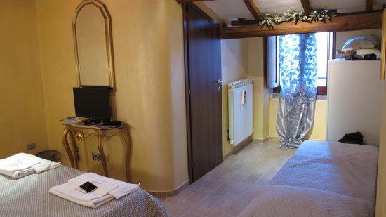 B&B Medieval House : Room on 1st flr of smaller bldg