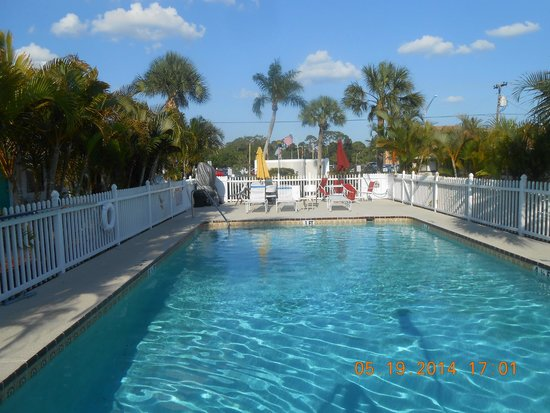 Nokomis Inn and Suites: Pool