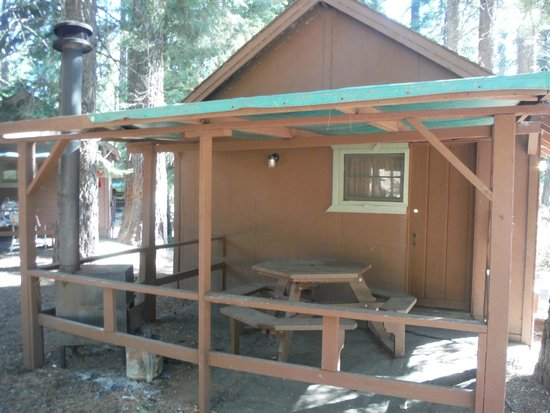 Grant Grove Cabins: Cabin without bath.