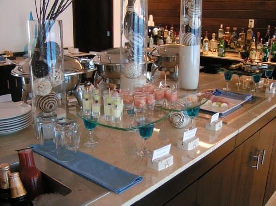 Live Aqua Beach Resort Cancun: aqua club appetizers