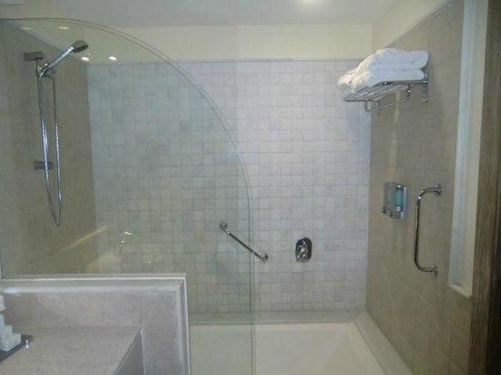 Iberostar Bahia: grandes banheiros