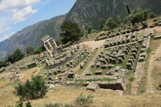 Private Greece Tours : Circular Temple of Athena Pronaia Sanctuary in Delphi