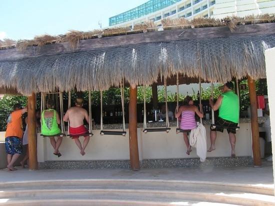 Live Aqua Cancun All Inclusive: beach swing bar