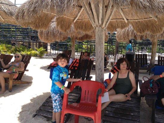 Chankanaab Beach Adventure Park: The beach area