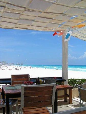 Live Aqua Beach Resort Cancun: Sea Corner lunch with the best view ever