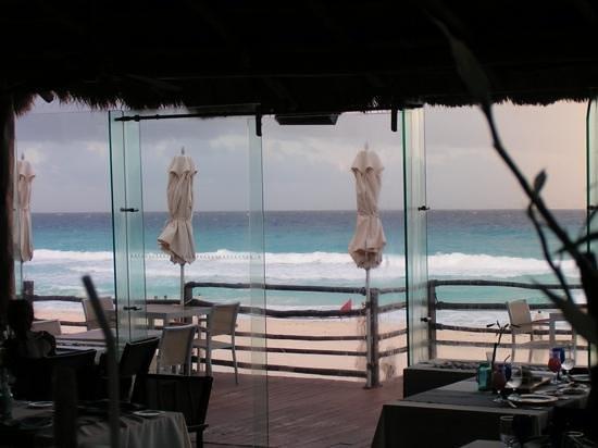 Live Aqua Cancun All Inclusive: Azur view!