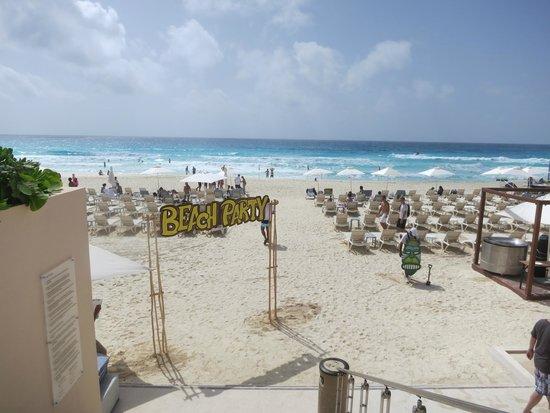 Secrets The Vine Cancún: Beach
