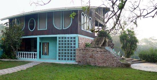 Banana Bank Lodge & Jungle Horseback Adventure: Hotel Bldg of 4 Rooms with Shared Common Area