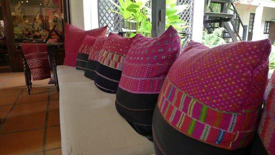 Tamarind Village: Lobby