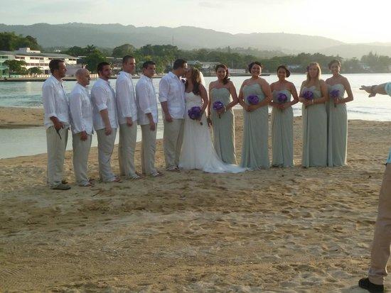 Couples Sans Souci : Wedding at sunset