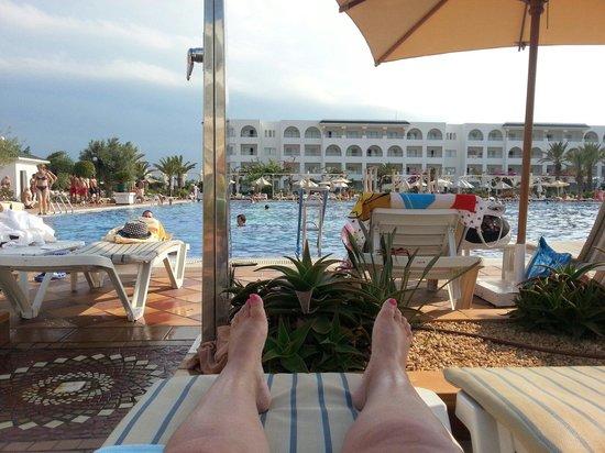 Concorde Hotel Marco Polo: Grande piscine
