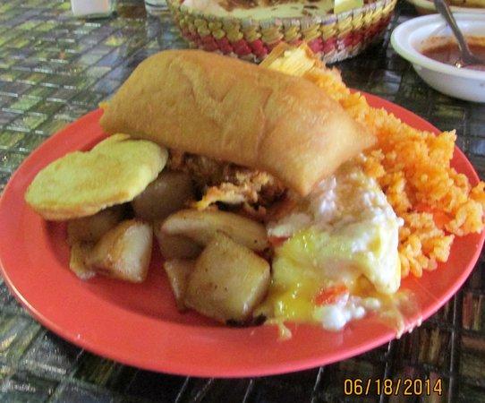 Calvillo's Mexican Restaurant: Entree sample: rice, empanada, potatoes, sopapilla