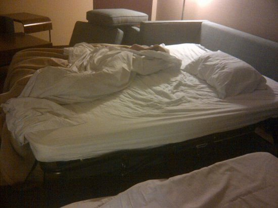 "Four Points by Sheraton & Conference Centre Gatineau-Ottawa: Would you call this a ""comfort"" bed???"