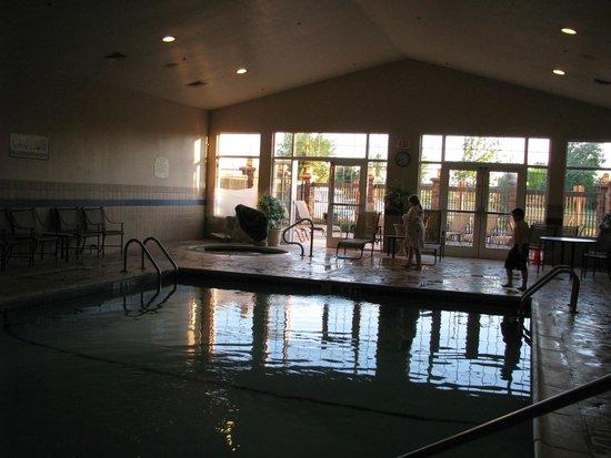 Residence Inn Bozeman: Pool room