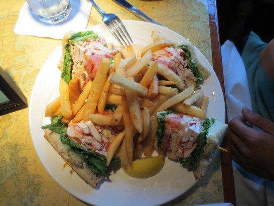 Arundel Wharf Restaurant: Lobster Club Sandwich with fries