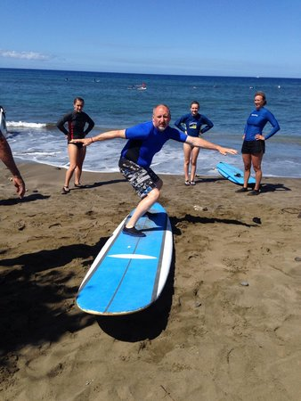 Island Scuba and Surf School: Getting his lesson from Ricardo!