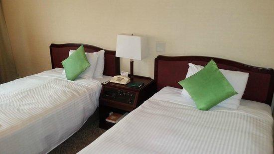 Kanazawa New Grand Hotel: ベッド