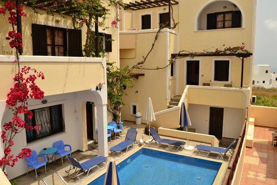 Antonia Hotel Santorini : Charming complex