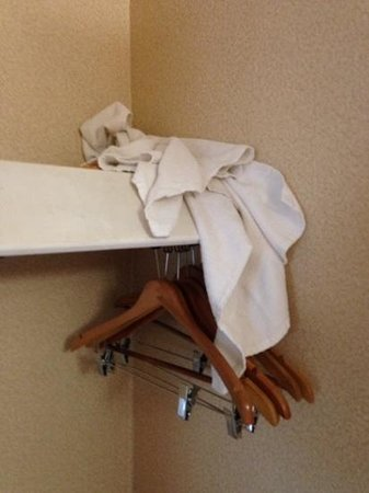 Wave Hotel : dirty towels