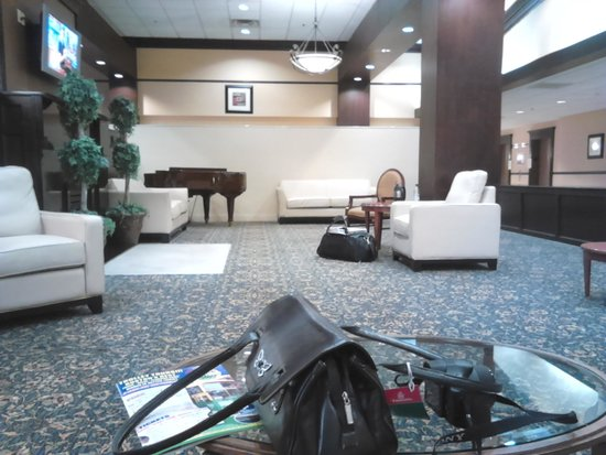 Holiday Inn Tewksbury Andover : The Lounge